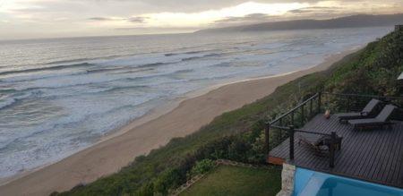 Beachfront Villa in Wilnderness