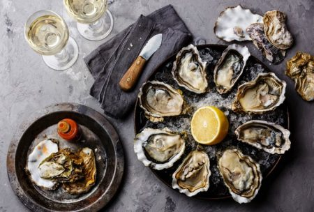 Wild and cultivated oysters served in various ways